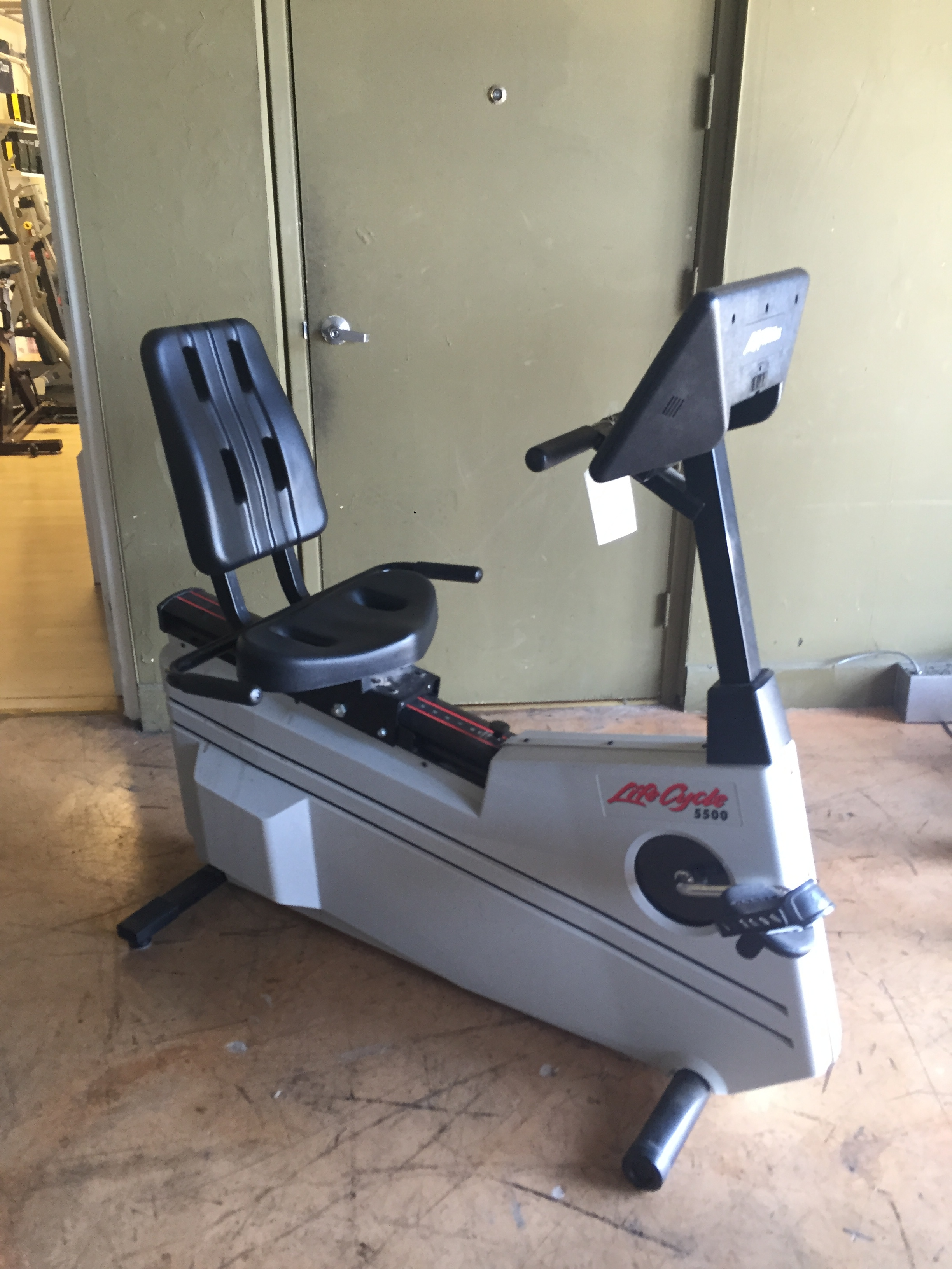 Pre-Owned Lifecycle 5500 Recumbent Exercise Bike