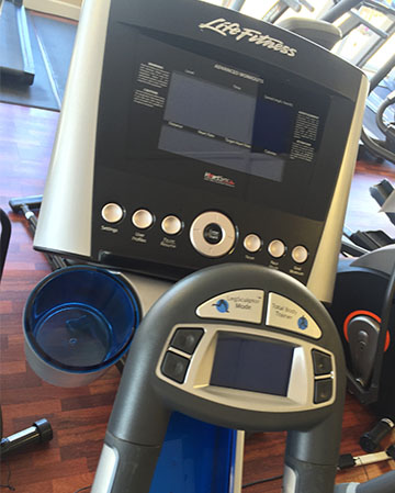 PRE-OWNED LIFE FITNESS X8 ELLIPTICAL CROSS-TRAINER