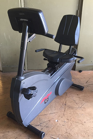 PRE-OWNED Life Cycle R7i Recumbent Exercise Bike