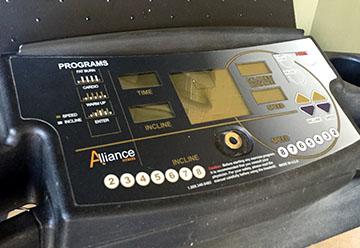PRE-OWNED Alliance Folding Treadmill