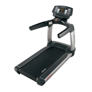 Life Fitness Platinum Club Treadmill w/LED Achieve Console